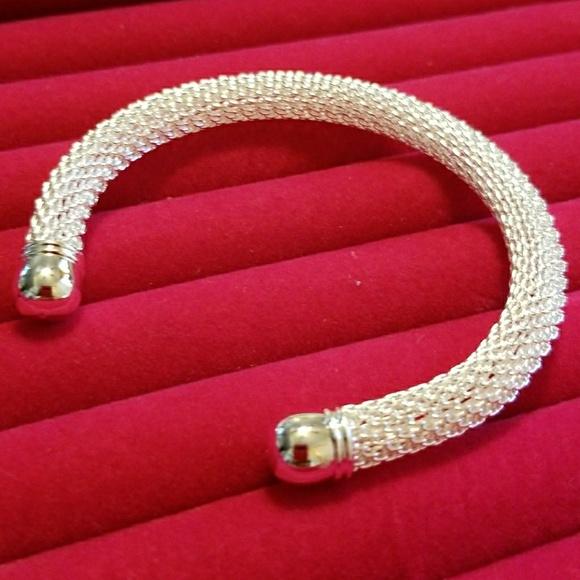 Jewelry - HOST PICK!!! Bangle Net Chain Hollow Bracelet
